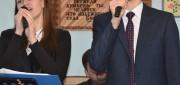 Поют Александр и Юлия Ничипорук